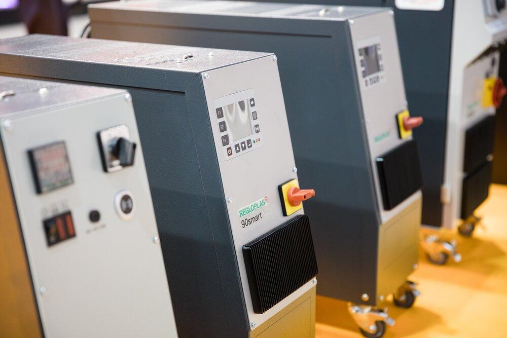 Periferní zařízení ke vstřikovacím strojům - temperace